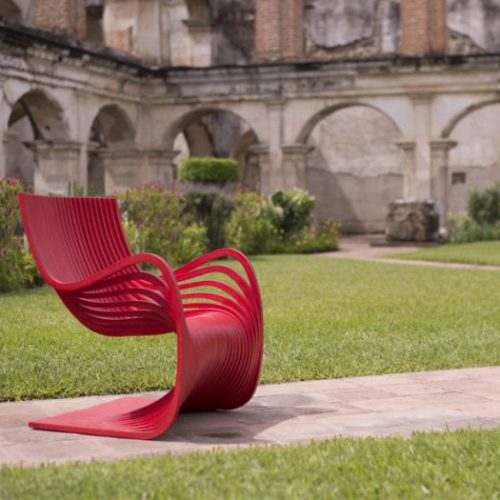 curved-pippo-chair-700x525
